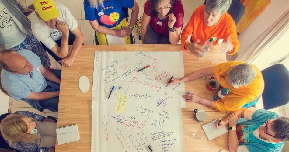tl_files/motive/0-Netzwerk-Treffen.jpg