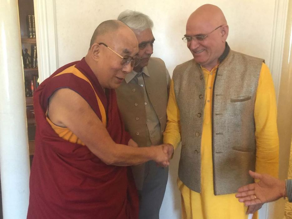 tl_files/motive/Dalai Lama und Dr_Madan_Kataria - Kopie.jpg