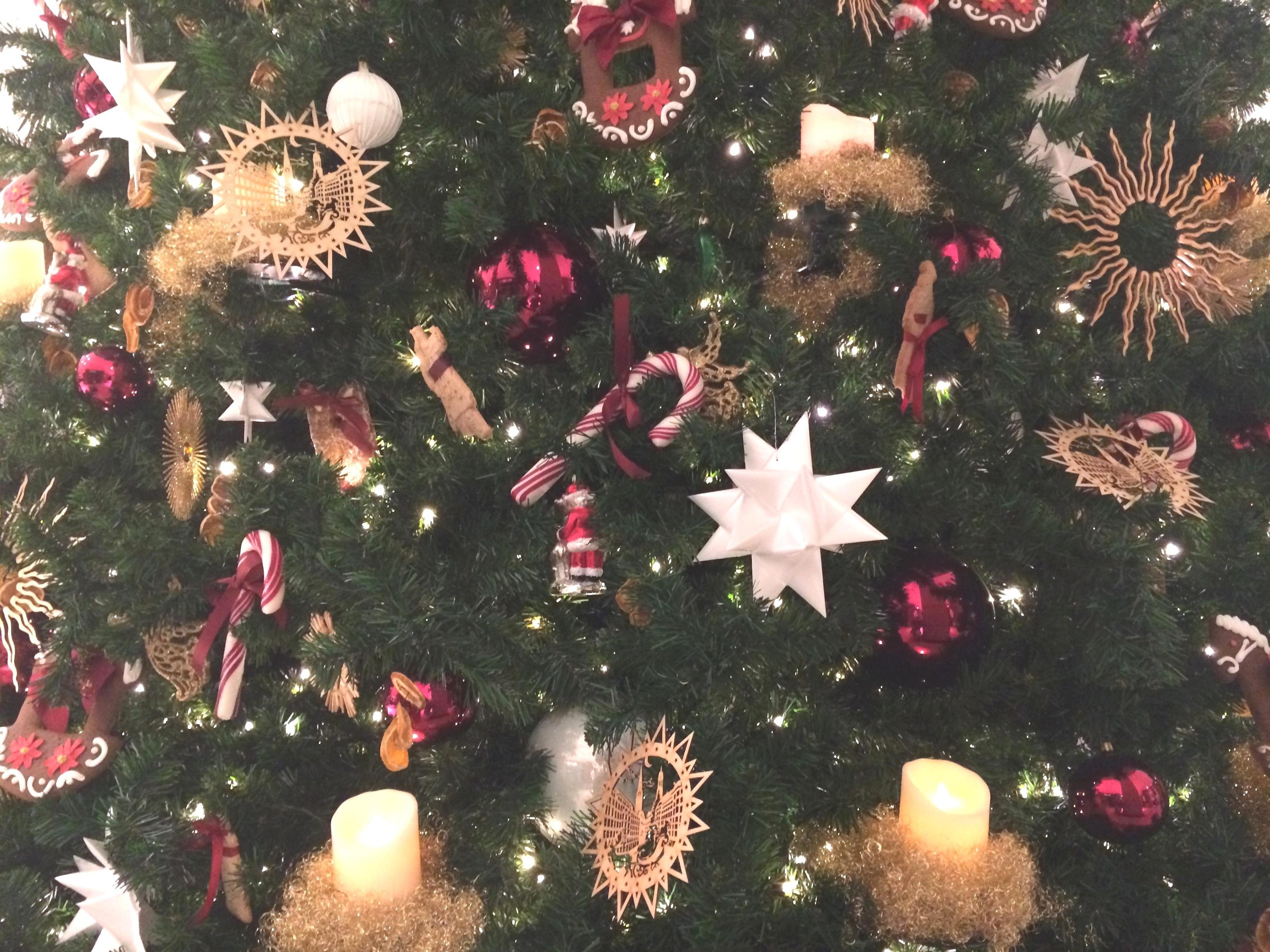 tl_files/motive/Weihnachtsbaum.jpg
