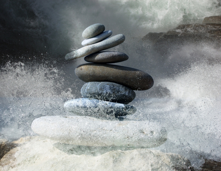 tl_files/motive/zen-stones-2774524_1920.jpg